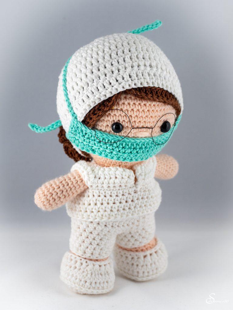 Infirmière au crochet